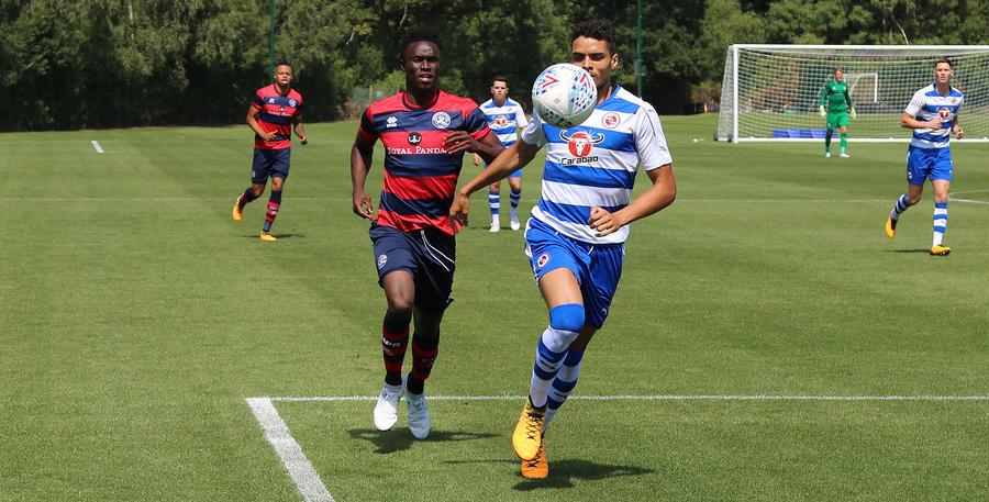 Idrissa Sylla chases down a ball forwards